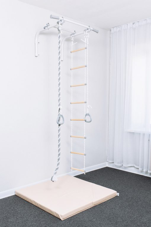 wall_mounted_pull_up_bar_for_children