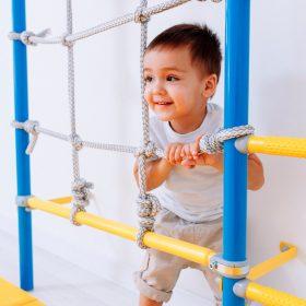 expandable_pole_with_climbing_net_boy